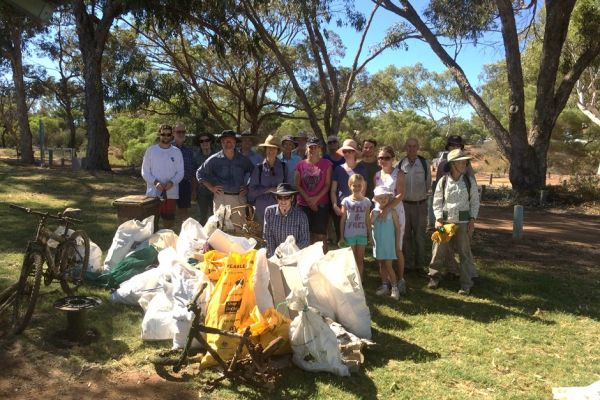 NACC staff and Chapman River Friends on Clean Up Australia Day.