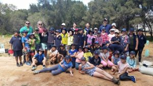 Year 4 students and teachers from Dongara District High School are joined by parents, Tidy Towns Sustainable Committee members, and NACC staff to plant 520 local native seedlings along the banks of the Irwin River.